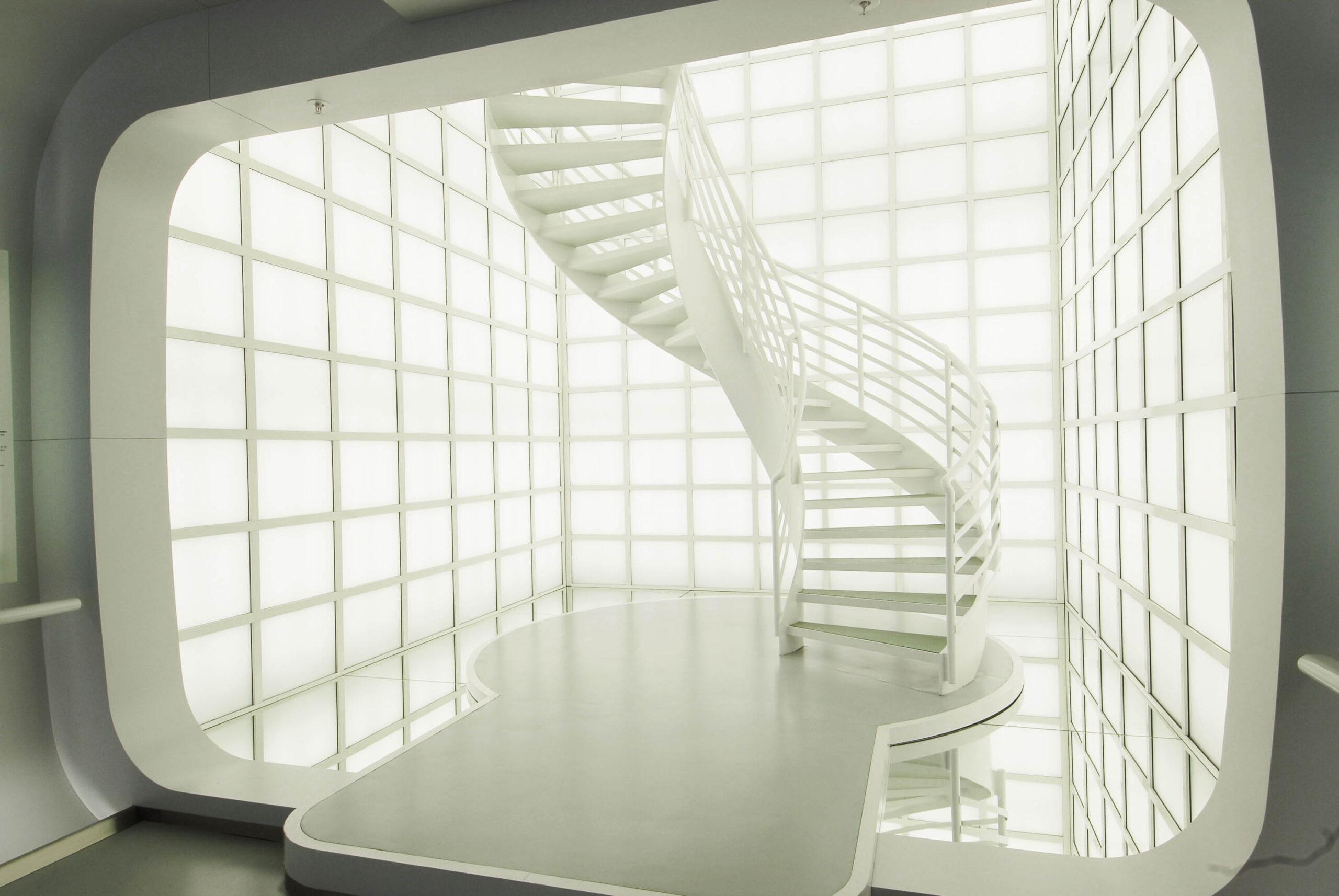 Detail Innenraum - gewendelte Treppe