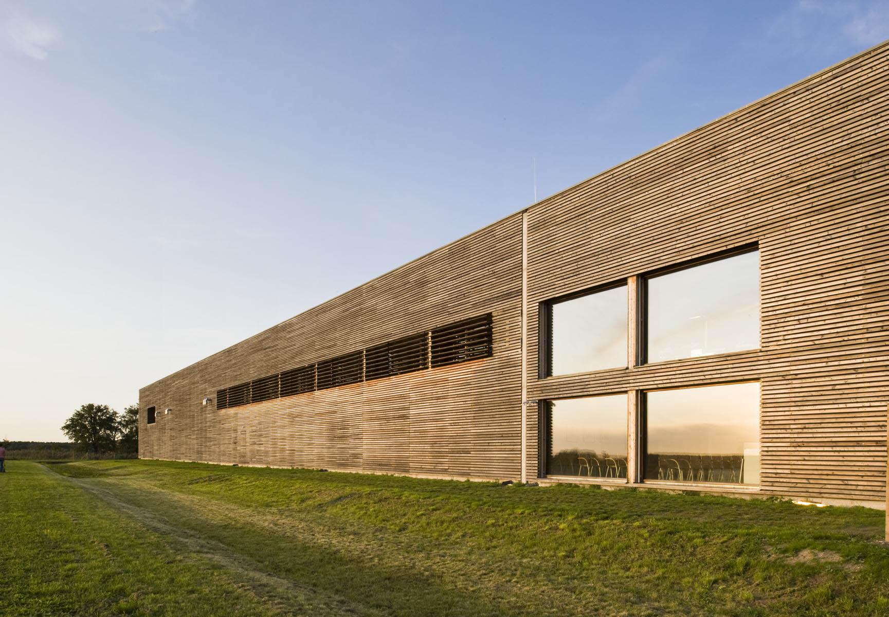 Lebendige Holzfassade