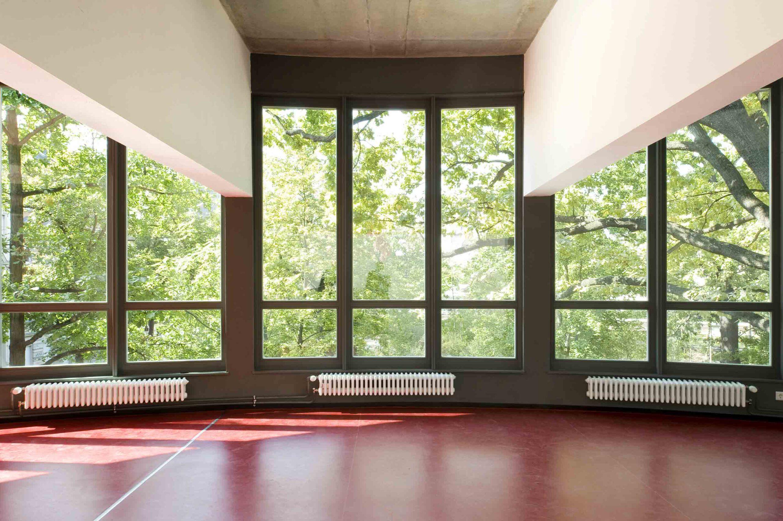 Obergeschoss mit Speise- bzw. Mehrzweckräumen, Kragträger
