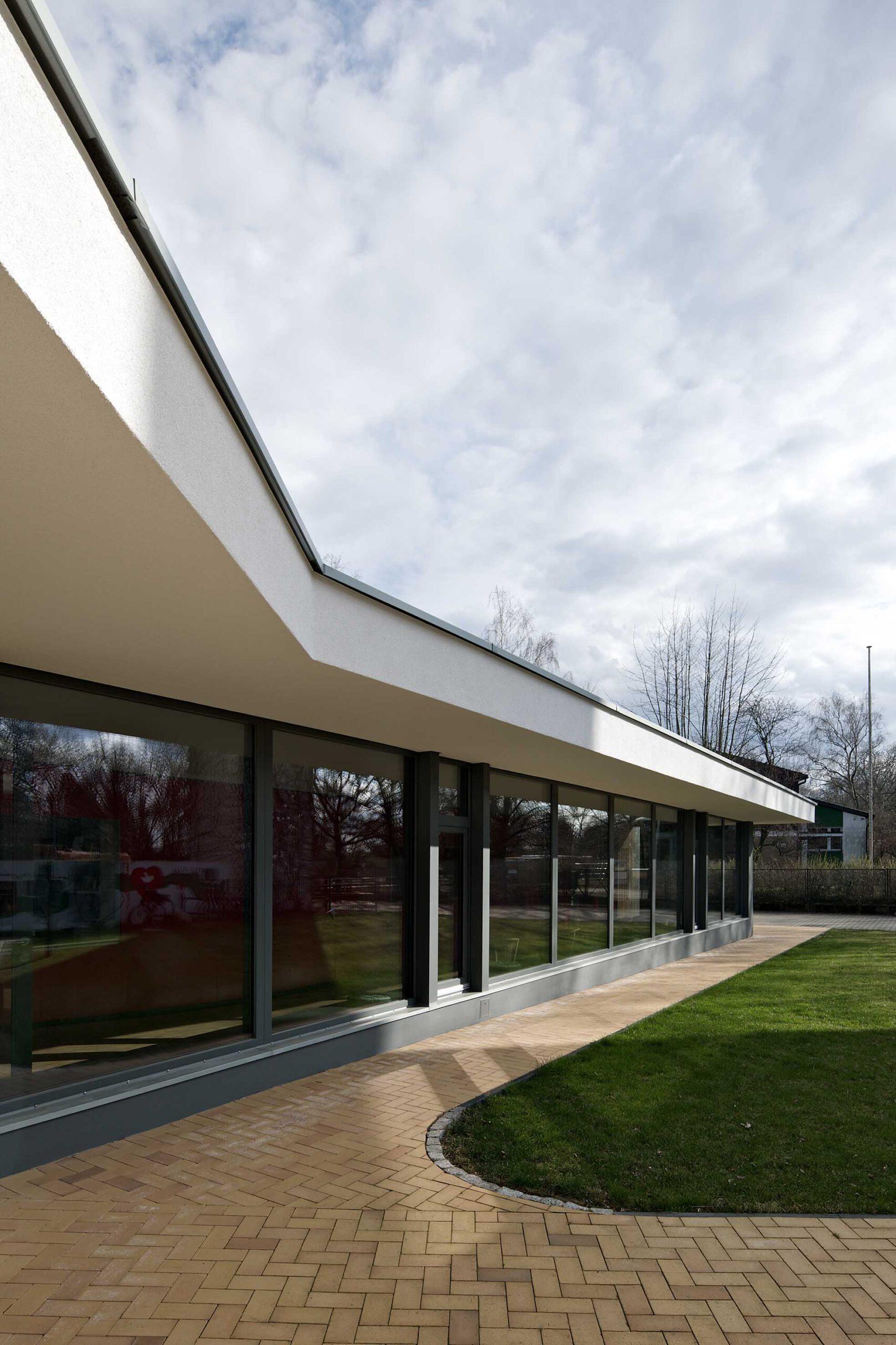 Neubau Foyer von außen